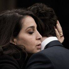 Tutto quello che vuoi: Donatella Finocchiaro e Andrea Carpenzano in una scena del film