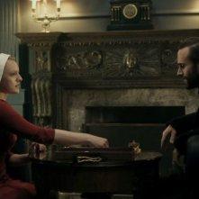 The Handmaid's Tale: una scena dell'episodio Birth Day, prima stagione