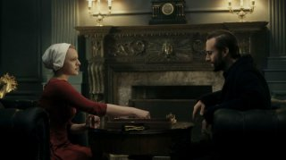 The Handmaid's Tale: una scena dell'episodio Birth Day, prima stagione