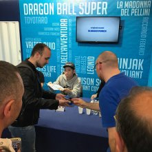 Comicon 2017: Toyotaro mentre firma autografi ai fan