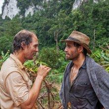 Gold - La grande truffa: Edgar Ramirez e Matthew McConaughey in un'immagine tratta dal film