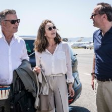 Paris Can Wait: Alec Baldwin, Arnaud Viard e Diane Lane in una scena del film