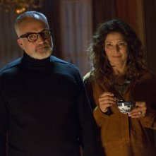 Scappa - Get Out: Catherine Keener e Bradley Whitford in una scena del film