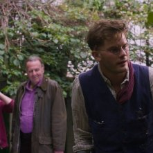 This Beautiful Fantastic: Andrew Scott, Tom Wilkinson e Jeremy Irvine in una scena del film