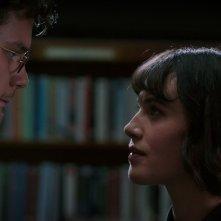 This Beautiful Fantastic: Jessica Brown Findlay e Jeremy Irvine in una scena del film