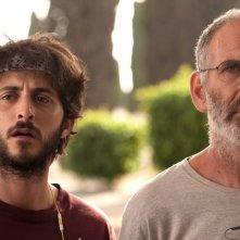 Una settimana e un giorno: Shai Avivi e Tomer Kapon in una scena del film