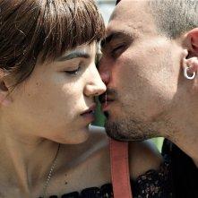 Cuori puri: Simone Liberati e Selene Caramazza in una scena del film