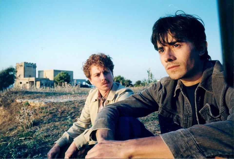 I cento passi: Luigi Lo Cascio e Claudio Gioè in una scena del film
