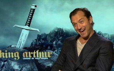 """Jude Law: giovane papa, presto mago, ora re in King Arthur: """"Sto vivendo un periodo incredibile"""""""