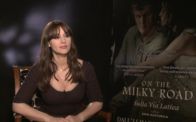 "Monica Bellucci in On the Milky Road: ""Kusturica mi ha fatto tornare la ragazza di campagna che ero"""