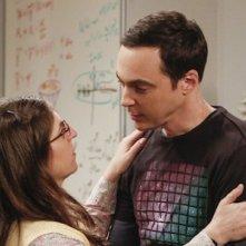 The Big Bang Theory: Jim Parsons e Mayim Bialik nel finale della decima stagione