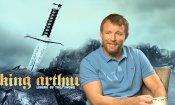 """Guy Ritchie e il suo King Arthur: """"Il mio re lotta contro se stesso"""""""