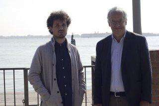 Indizi di felicità: Walter Veltroni e il direttore della fotografia Davide Manca in un'immagine promozionale