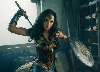 Wonder Woman: Gal Gadot in un momento del film