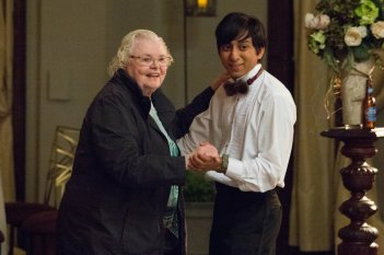 Tavolo n. 19: June Squibb e Tony Revolori in una scena del film