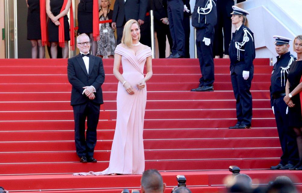 Cannes 2017: la bellissima Uma Thurman sul red carpet inaugurale