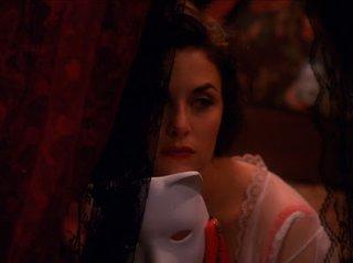 Una misteriosa Sherilyn Fenn in Twin Peaks