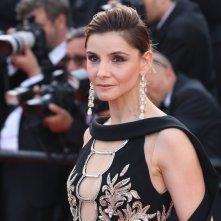 Cannes 2017: Clotilde Courau sul red carpet di The Meyerowitz Stories
