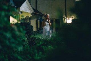 The Killing of a Sacred Deer: Nicole Kidman fuma in giardino