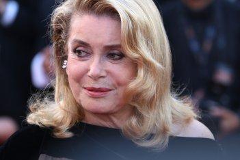 Cannes 2017: Catherine Deneuve sul red carpet di The Killing of a Sacred Deer