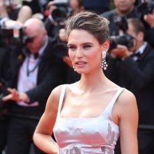 Cannes 2017: Bianca Balti sul red carpet per il settantesimo anno della manifestazione