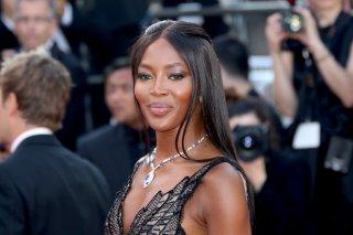 Cannes 2017: Naomi Campbell sul red carpet per il settantesimo anno della manifestazione