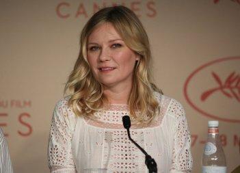 L'inganno: un primo piano di Kirsten Dunst in conferenza a Cannes