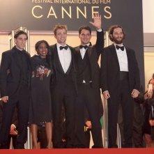 Cannes 2017: il cast saluta i fan sul red carpet di Good Time