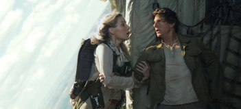 La Mummia: Tom Cruise e Annabelle Wallis in una scena del film