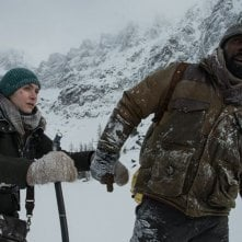 The Mountain Between Us: Kate Winslet e Idris Elba in una foto del film
