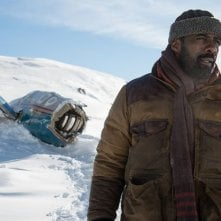 The Mountain Between Us: Idris Elba in una foto del film
