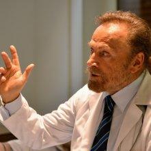 Il crimine non va in pensione: Franco Nero in una scena del film