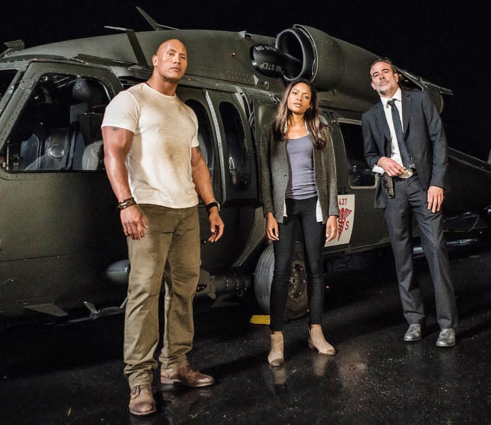 Rampage: Dwayne Johnson, Naomie Harris e Jeffrey Dean Morgan in una foto scattata sul set