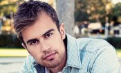 "Theo James protagonista del thriller ""How It Ends"""