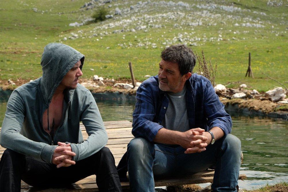 Black Butterfly: Antonio Banderas e Jonathan Rhys Meyers in un'immagine del film
