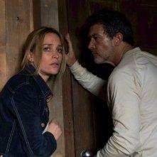 Black Butterfly: Antonio Banderas e Piper Perabo in una scena del film