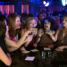 Crazy Night - Festa col morto: Scarlett Johansson, Zoë Kravitz, Kate McKinnon, Ilana Glazer e Jillian Bell in un momento del film