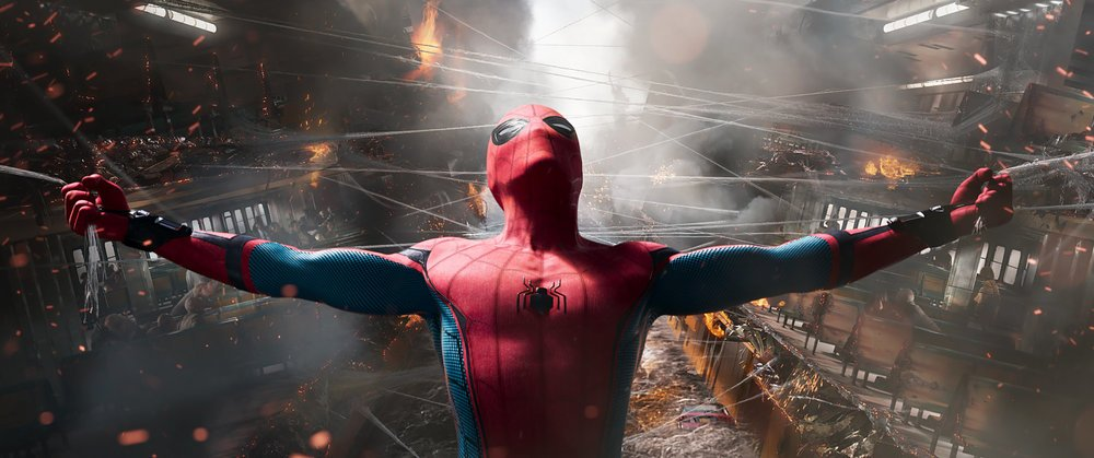 Spider-Man: Homecoming, Tom Holland in un'immagine tratta dal film