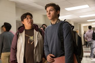 Spider-Man: Homecoming, Tom Holland e Jacob Batalon in una scena del film