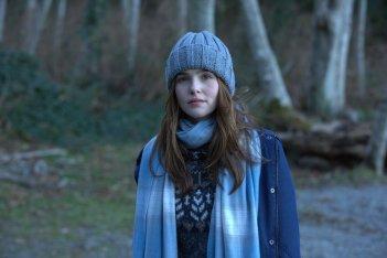 Prima di domani: Zoey Deutch in una scena del film