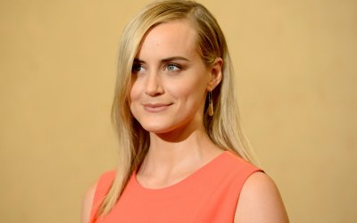 Orange is the New Black, Taylor Schilling è Piper: Ho abbracciato i suoi demoni e la sua volontà di cacciarli