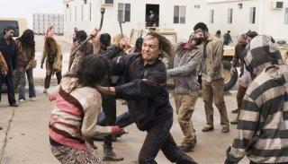 Fear the Walking Dead: una scena d'azione della terza stagione