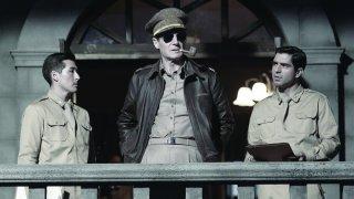 Operation Chromite: Liam Neeson e Sean Dulake in una scena del film