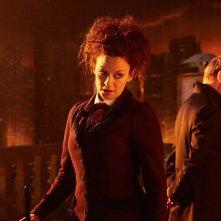 Doctor Who: John Simm e Michelle Gomez in una scena dell'episodio The Doctor Falls