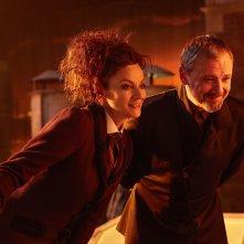 Doctor Who: Michelle Gomez e John Simm nell'episodio The Doctor Falls