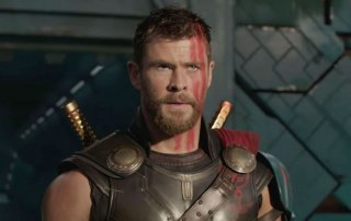 Thor: Ragnarok - Chris Hemsworth in un'immagine del primo teaser