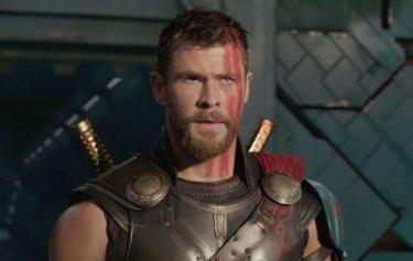 Thor: Ragnarok - Chris Hemsworth in un'immagine del primo teaser