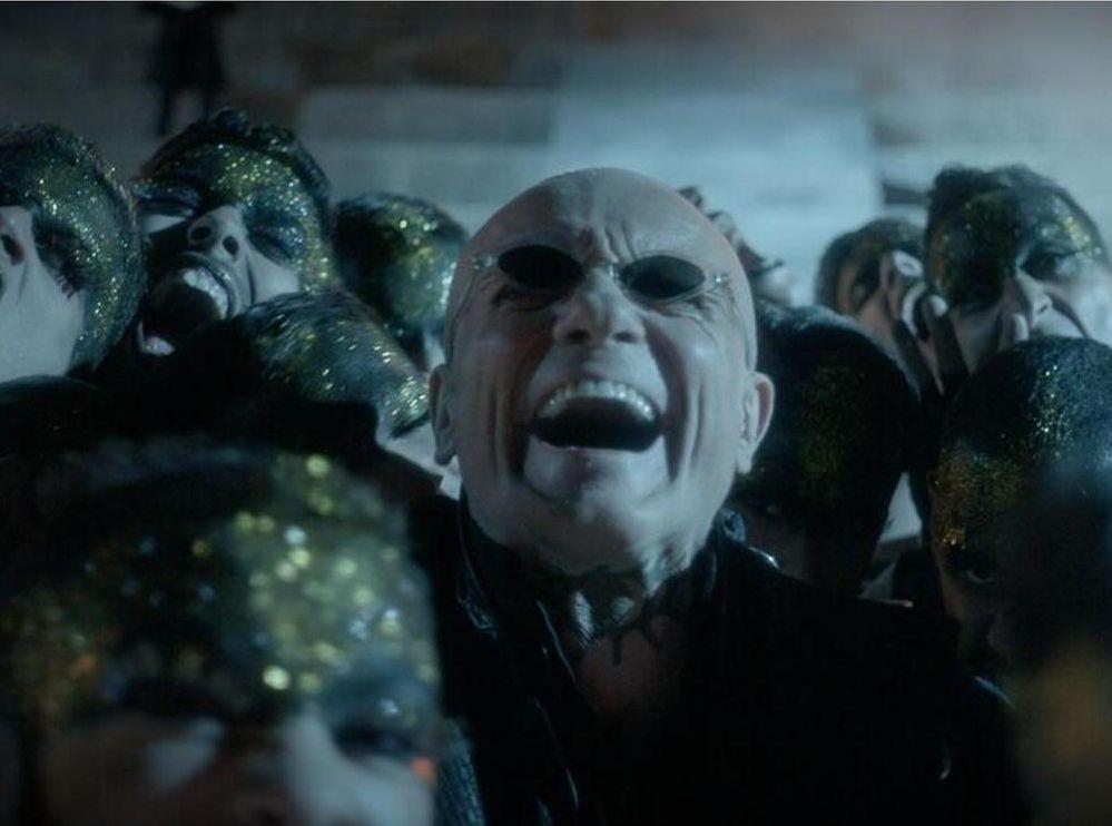 Riccardo va all'inferno: Massimo Ranieri in una scena del film