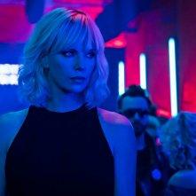 Atomica bionda: Charlize Theron in una scena del film