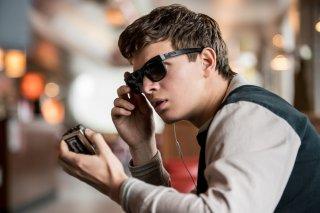 Baby Driver - Il genio della fuga: Ansel Elgort in una scena del film